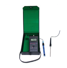 Combined Conductivity & pH meter PC18-K